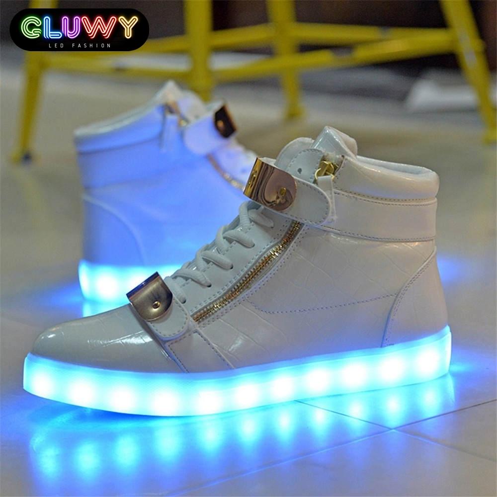 Blikajúce Tenisky LED - Gluwy bielozlaté  1fa6892f9da